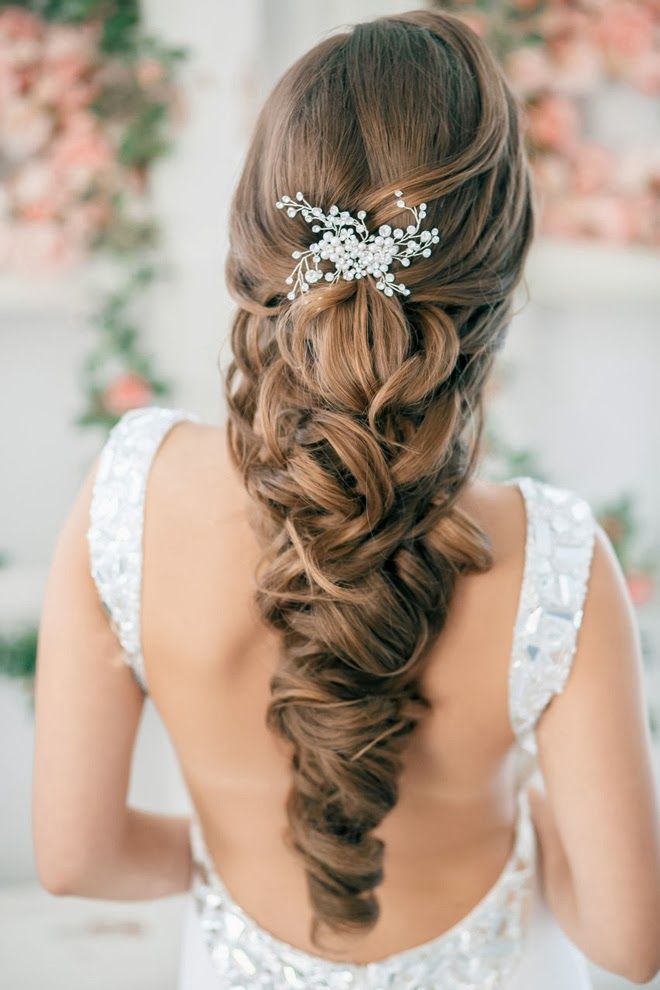 Steal worthy wedding hair ideas crazyforus whether youre the bride to be bridesmaid have a wedding to attend in the near future or are just looking for a hairstyle with a little extra somethin junglespirit Images