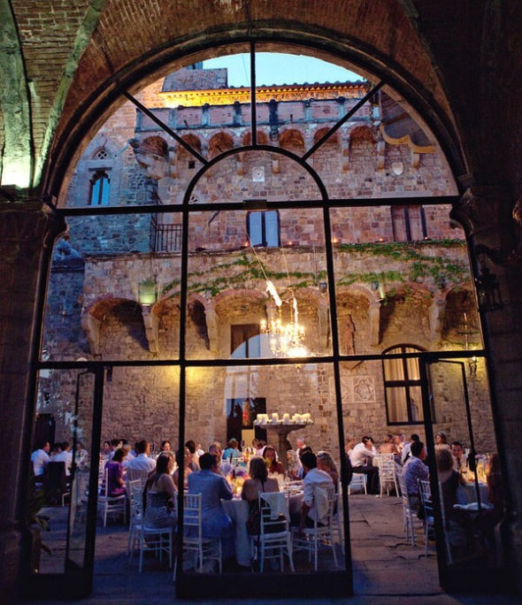 10 amazing and unique wedding venues crazyforus for Unique places to have a wedding